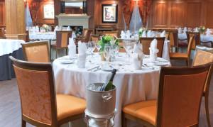 APT Noble Caledonia Sky restaurant