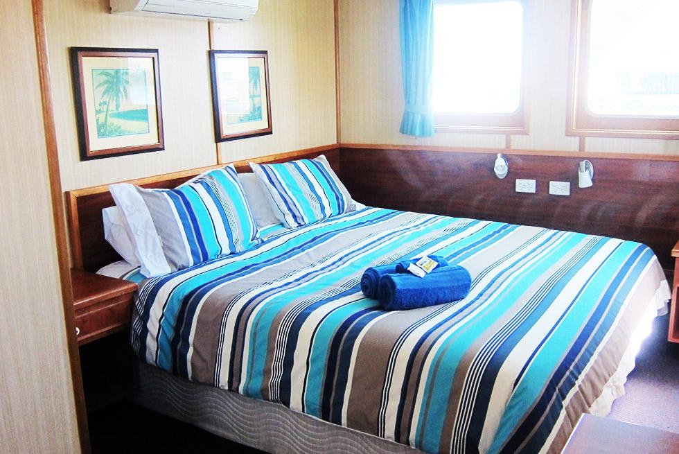 Eco Abrolhos deluxe cabin room