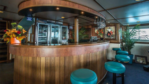 Eco Abrolhos saloon bar