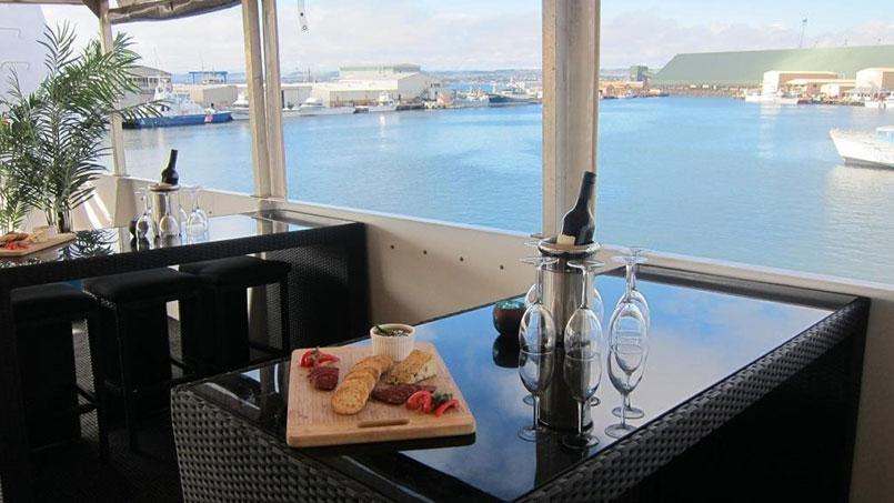 Eco Abrolhos top deck